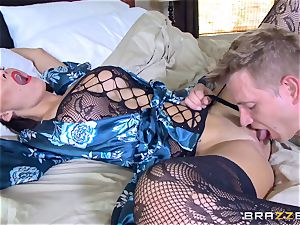 hotwife wife Peta Jensen poon thrashed by Bill Bailey