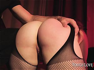 TOUGHLOVEX bootylicious babe Summer Hart meets Karl Toughlove