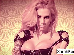 spectacular Sarah Jessie frigs herself in leather gloves