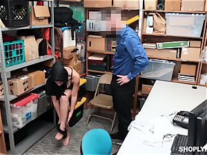 Ella Knox gets caught shoplifting and pays her debt with her facehole and coochie