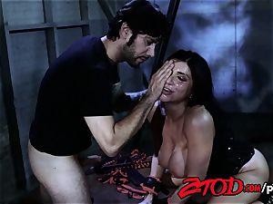Romi Rain loves To Be smacked