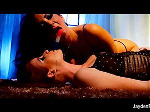 Jayden Jaymes gets it on with Nikki Rhodes