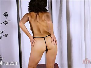 Darcie Dolce's marvelous opening up routine