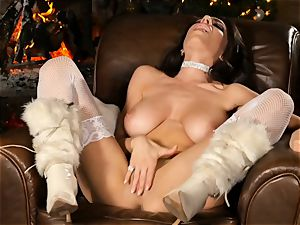 Festive solo onanism from Darcie Dolce
