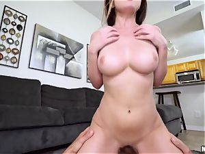 phat funbags Dillion Harper wants hookup with her sister's beau