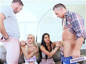 hypnotized teenager women exchange daddies