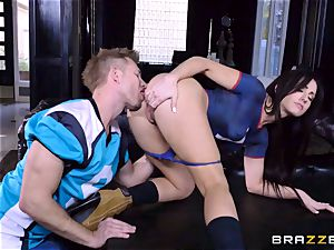 Frustrated Jennifer white rides Bill Bailey for a scorching facial cumshot