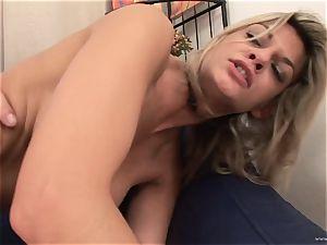 super-naughty Klarisa Leone luvs getting her raw crevasse slammed