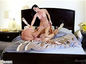 Veronica Avluv and India Summer - My dear husband, you want to attempt my friend's cunny