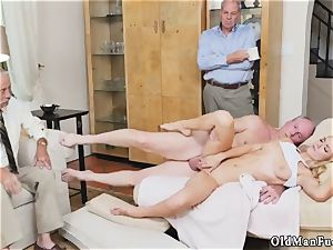 Virtual intercourse parent and hung Molly Earns Her Keep