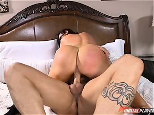 nasty babe Nikki Benz gets a yam-sized cumload on her orbs