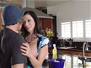 Mean mother Ariella Ferrera entices her daughters-in-law boy