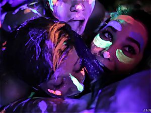 super-hot lezzies playing with fluorescent body paint
