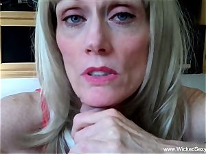 2 weenies For amateur GILF mommy