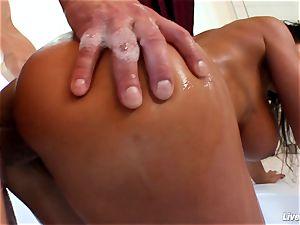 LiveGonzo Lisa Ann Mature mommy ejaculation