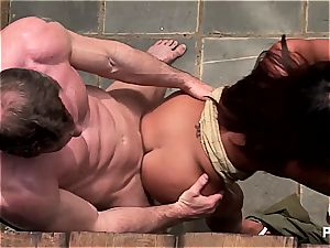 Jade's super-steamy 3some in the backyard