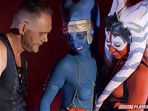 Aliens Eva Lovia and Aria Alexander take on hard man meat
