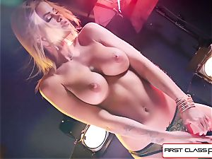 see Jessa Rhodes taking a fat spear down her facehole