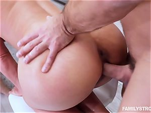 Phoenix Marie gets a hot threesome at the dinner table