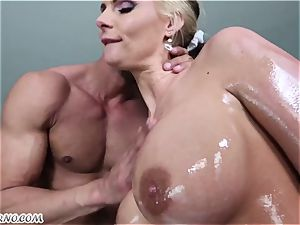 lewd bouncy bootie cougar Phoenix Marie prepped for anal penalty